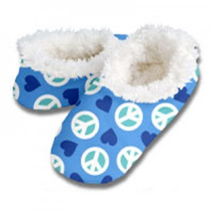 Keep your toes warm during the early fall months with a pair of snoozies! Slippers.