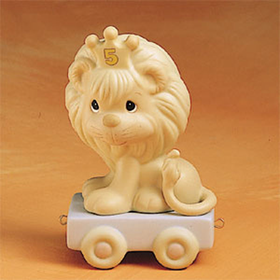 precious moments birthday train figurine of a lion with a number 5 crown | CoppinsGifts.com